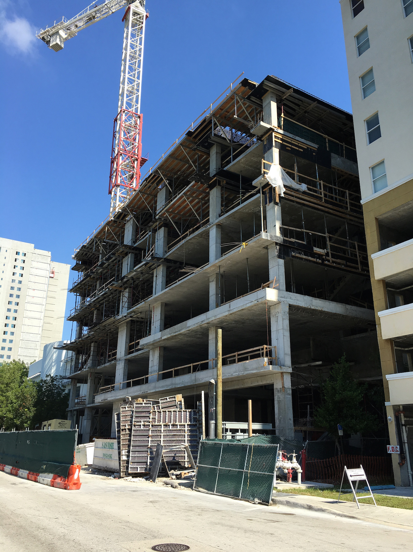 Steady Construction at Hotel Indigo Site | SkyriseCities