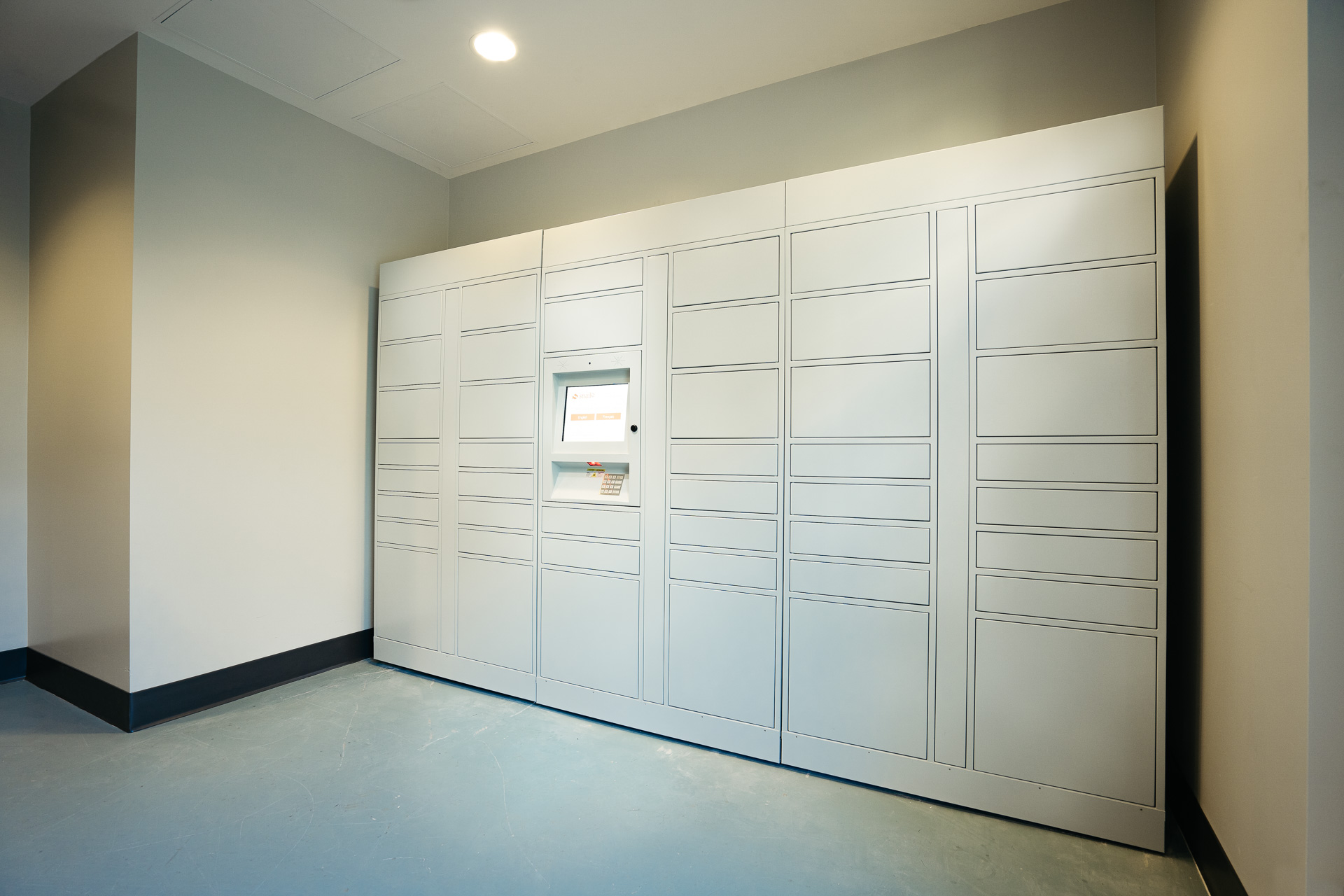 parcel storage lockers, Toronto, condos, rental
