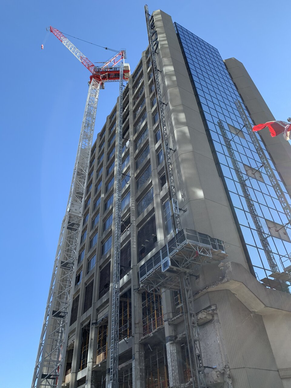 Looking up at demolition on the Grand Hotel, October 31, 2020, image by UT Forum contributor Benito