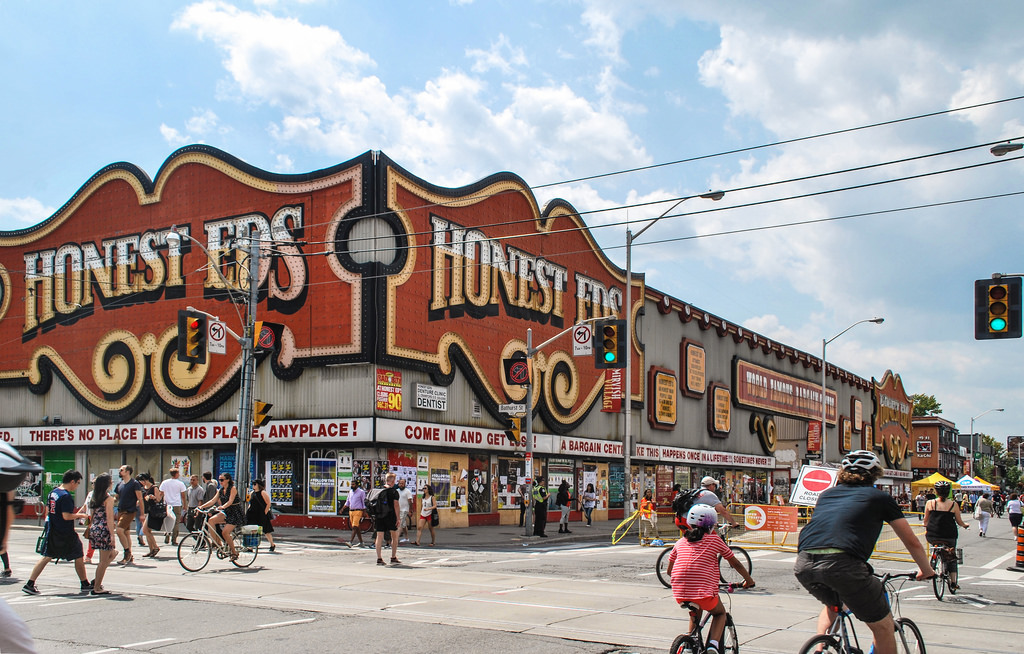 Throwback Thursday, Toronto, Honest Ed's, Mirvish Village, Bathurst, Bloor