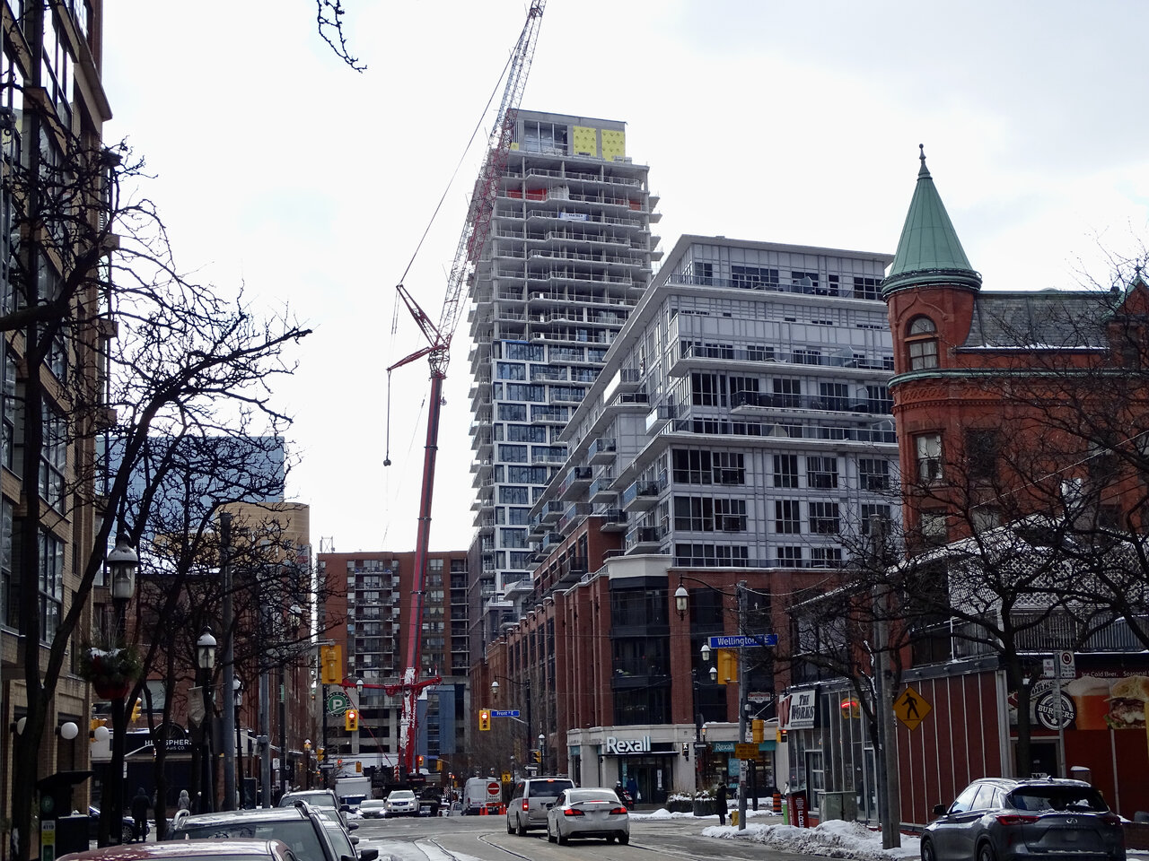 75 on The Esplanade, Toronto, designed by architectsAlliance for Harhay and Carttera