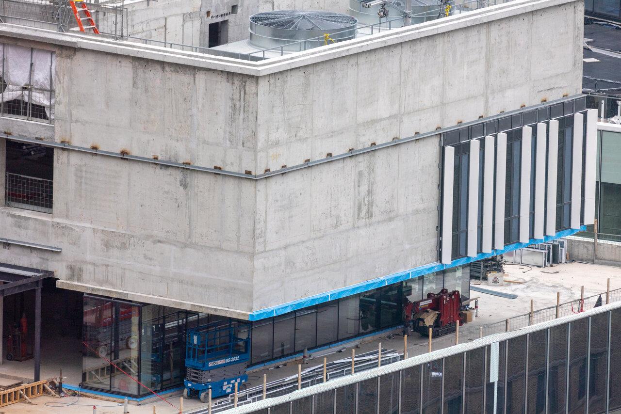 Sugar Wharf Condos, 100 Queens Quay, Menkes Developments, Toronto, architects-Alliance, B+H