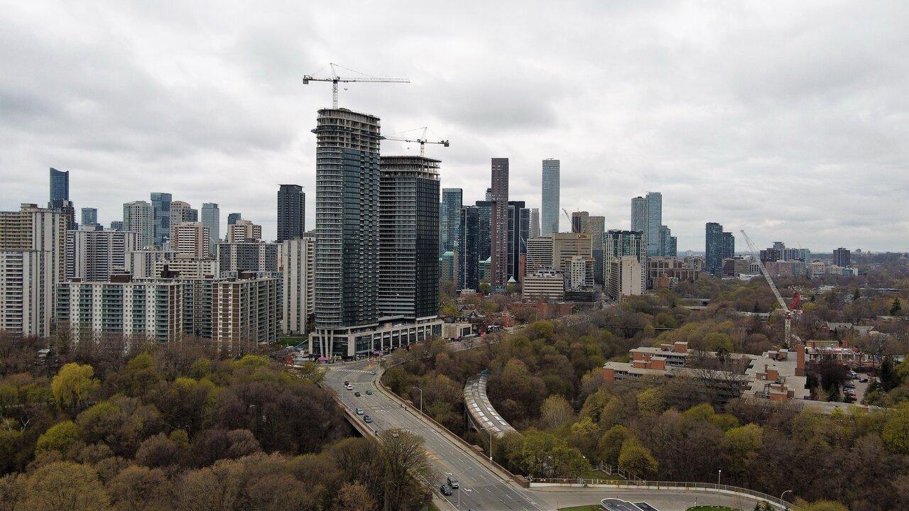 Daily Photo, Toronto, skyline, Bloor Street East, Via Bloor