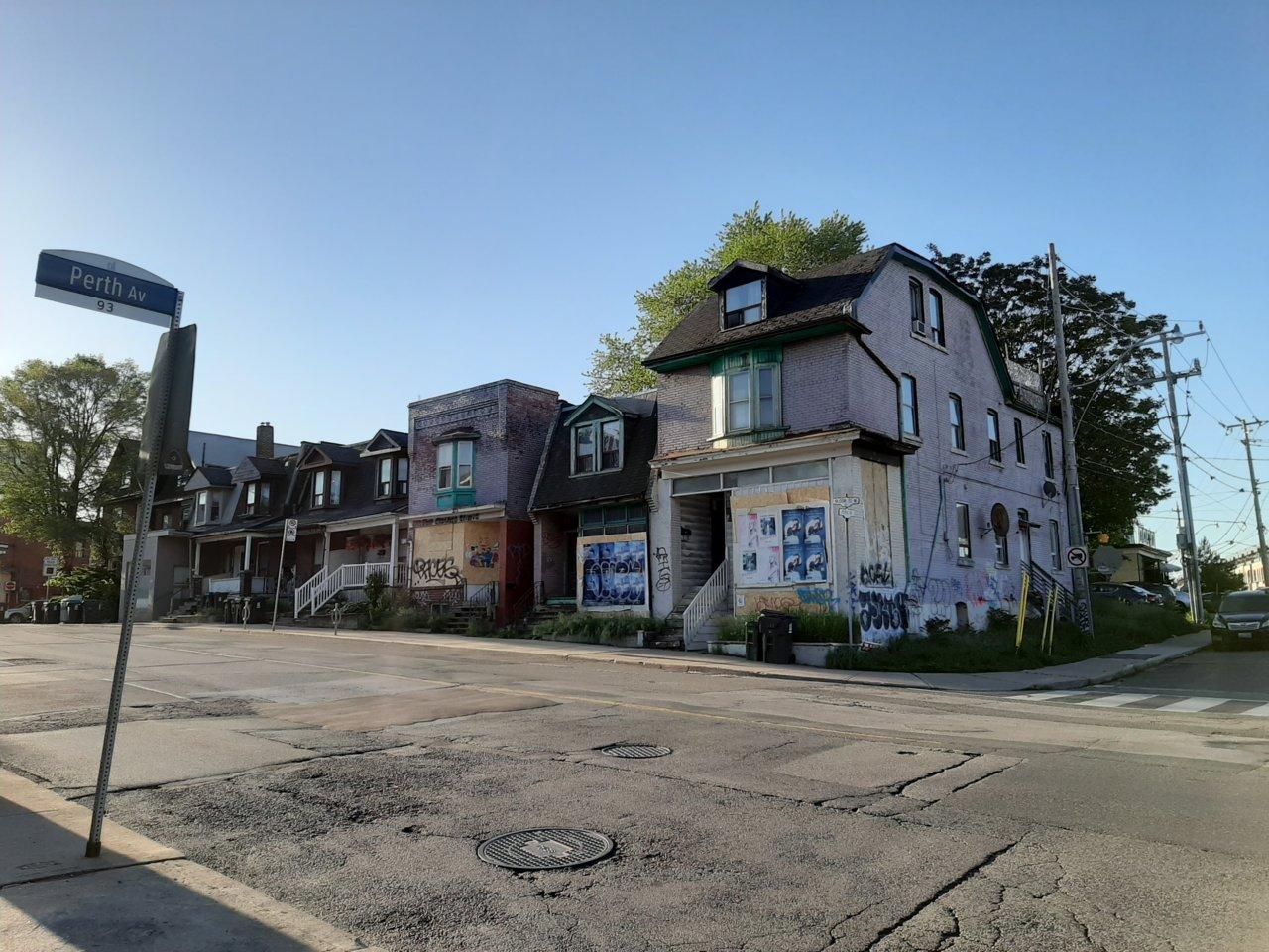 1425 Bloor Street West, Toronto